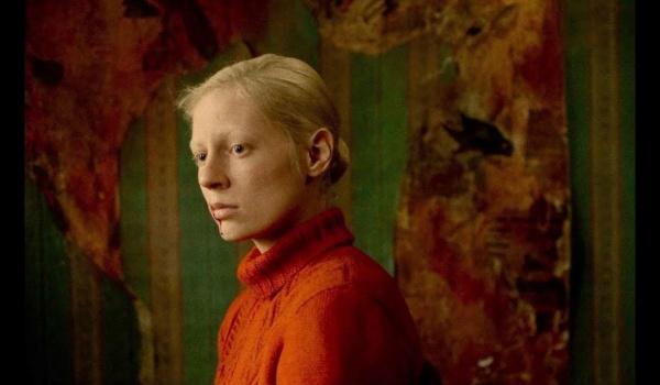 Going. | Kino psychologiczne: Wysoka dziewczyna - Nowe Kino Pałacowe
