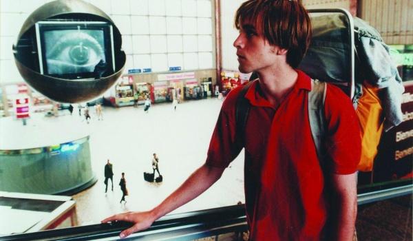Going. | Rok przełomu. 1989 w kinie europejskim | przegląd filmowy - Kino Nowe Horyzonty