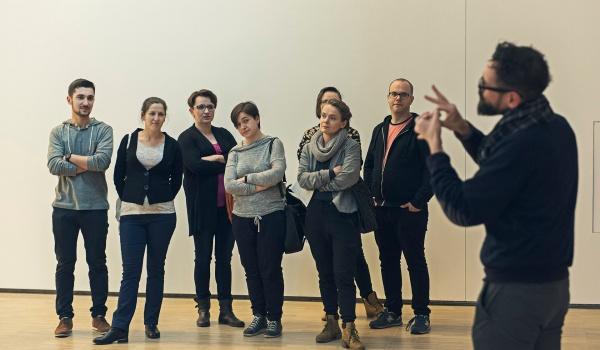 Going. | Sztuka Głuchych // cykl wykładów w PJM - Muzeum Śląskie