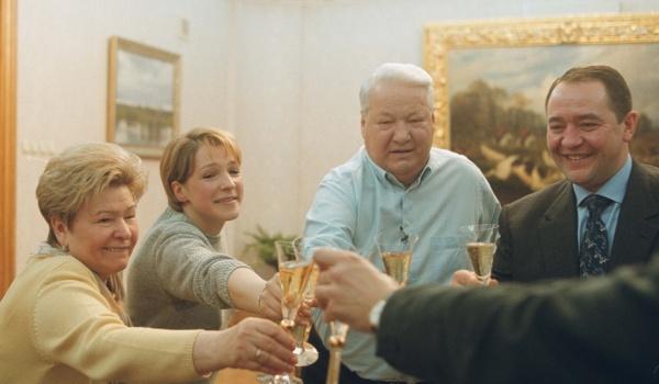 Going. | ŚWIADKOWIE PUTINA / Ukraina! - Kino Iluzjon Filmoteki Narodowej