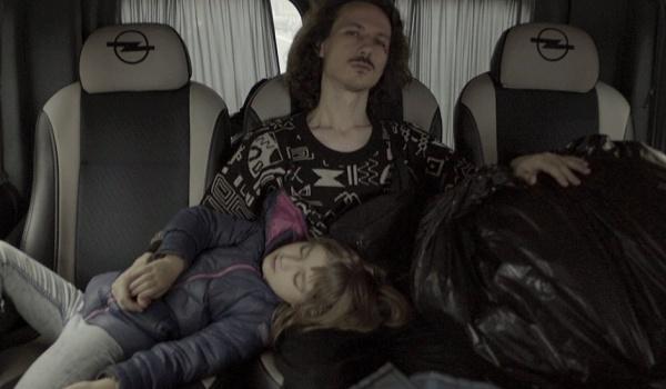 Going. | MÓJ TATA JEST BRATEM MAMY /ТАТО - МАМИН БРАТ / Ukraina! - Kino Iluzjon Filmoteki Narodowej