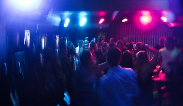 Going. | Ładni ludzie tańczą w NRD! - NRD Klub