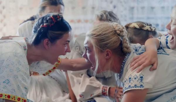 Going. | Midsommar. W biały dzień - wersja reżyserska - Nowe Kino Pałacowe