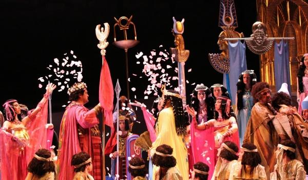 Going. | Aida - Teatr Muzyczny ROMA