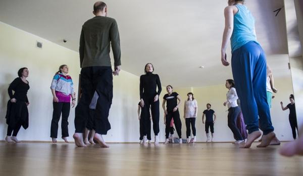 Going. | Inne lekcje | Świadomość ciała. Warsztaty z Jolantą Krukowską - CSW Zamek Ujazdowski