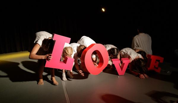 Going.   Mały teatr tańca: Repeats cukier - 13 muz
