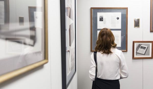 Going.   Agnieszka Stępkowska i Mariusz Kruk, Debaty - edycja 2 - Uniwersytet Artystyczny w Poznaniu