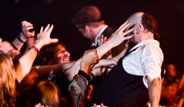 Going. | Frik Muzik Festival 2020 Cyrk Deriglasoff, Wiewiórka Na Drzewie, Jan Whorekiestra, Woda Ski Bla - Sala Gotycka w Starym Klasztorze