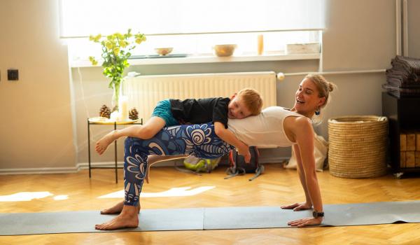 Going. | Warsztaty jogi dla dzieci z rodzicami - Joga Życia