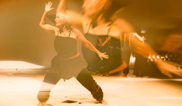 "Going. | Spektakl ""Rój"" na Walentynki - Teatr Chorea"