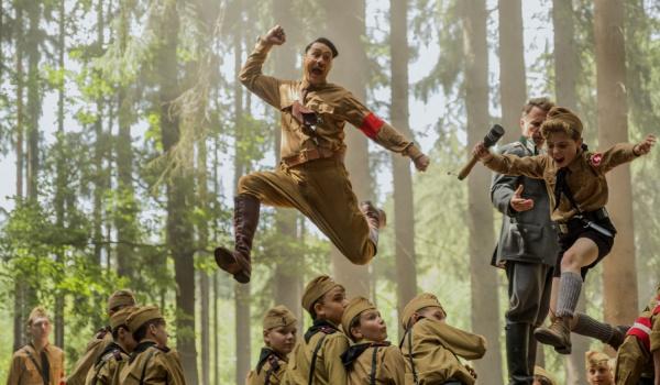 Going. | Jojo Rabbit (reż. T. Waititi) - przedpremiery - Kino Pod Baranami