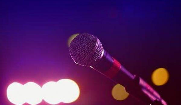 Going. | Merlinowe karaoke - Merlin pub