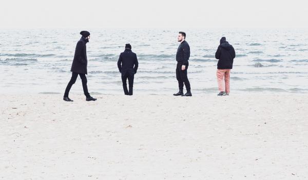 Going. | Fraktale - Teatr Barakah / ArtCafe Barakah