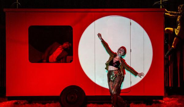Going. | Dzikość serca - Teatr Gry i Ludzie w Katowicach