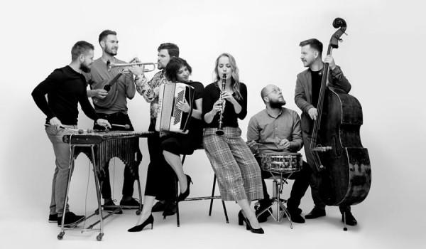 Going. | Warszawska Orkiestra Sentymentalna w Niebie - Niebo