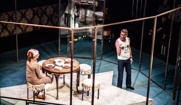 Going. | Kompleks Portnoya I reż. Adam Sajnuk i Aleksandra Popławska - Teatr WARSawy