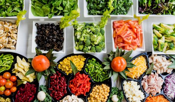 Going. | Prawda czy mit? Eksperci objaśniają nowe trendy żywieniowe - Muzeum Warszawy
