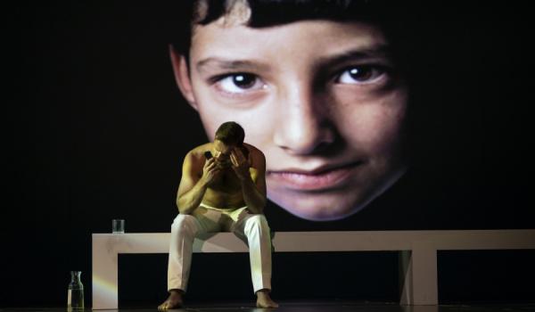 Going. | Damaszek 2045 - Scena Duża, Teatr Powszechny im. Zygmunta Hübnera