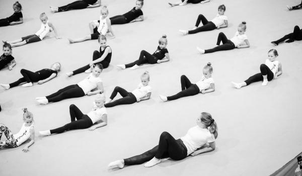 Going. | Trening online dla gimnastyczek i tancerzy - Online