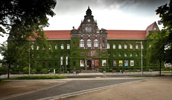 Going. | Gmach Główny Muzeum Narodowego we Wrocławiu - Muzeum Narodowe we Wrocławiu