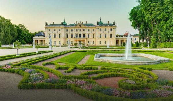 Going. | Pałac Branickich - Pałac Branickich